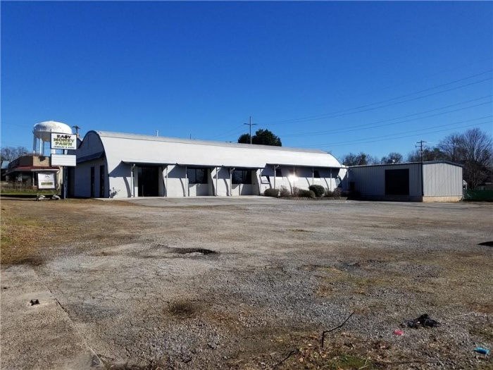 For Sale or Lease, ,Office / Retail,For Sale or Lease,102 E Mauldin St,1115